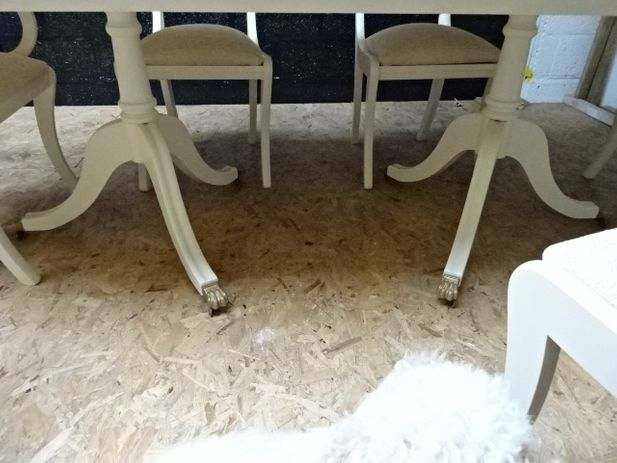 Mahogany Twin based Dining Table with Claw feet