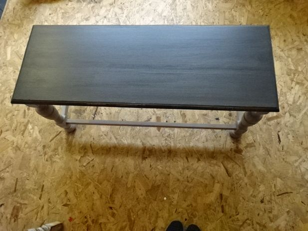 Oak coffee table with turned leg's